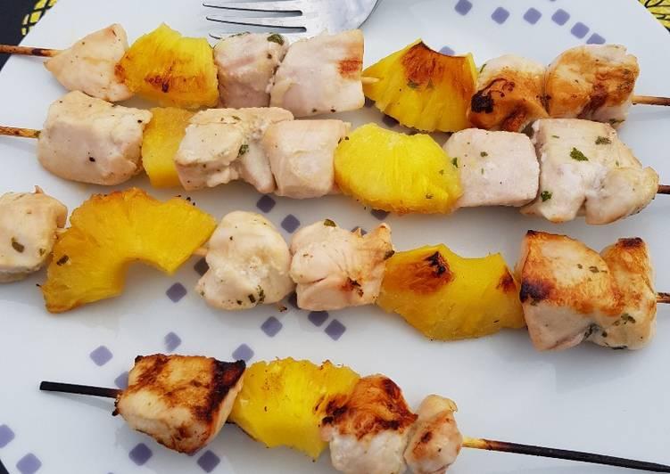 Brochettes de poulet-ananas