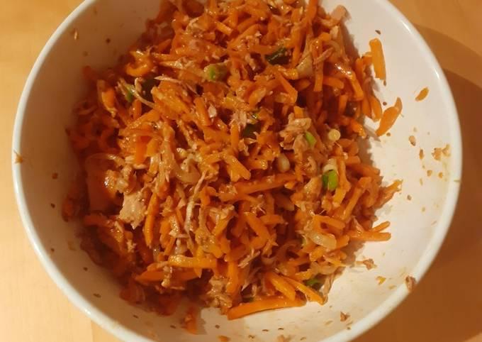 Lauwarmer Karotten-Thunfisch-Salat