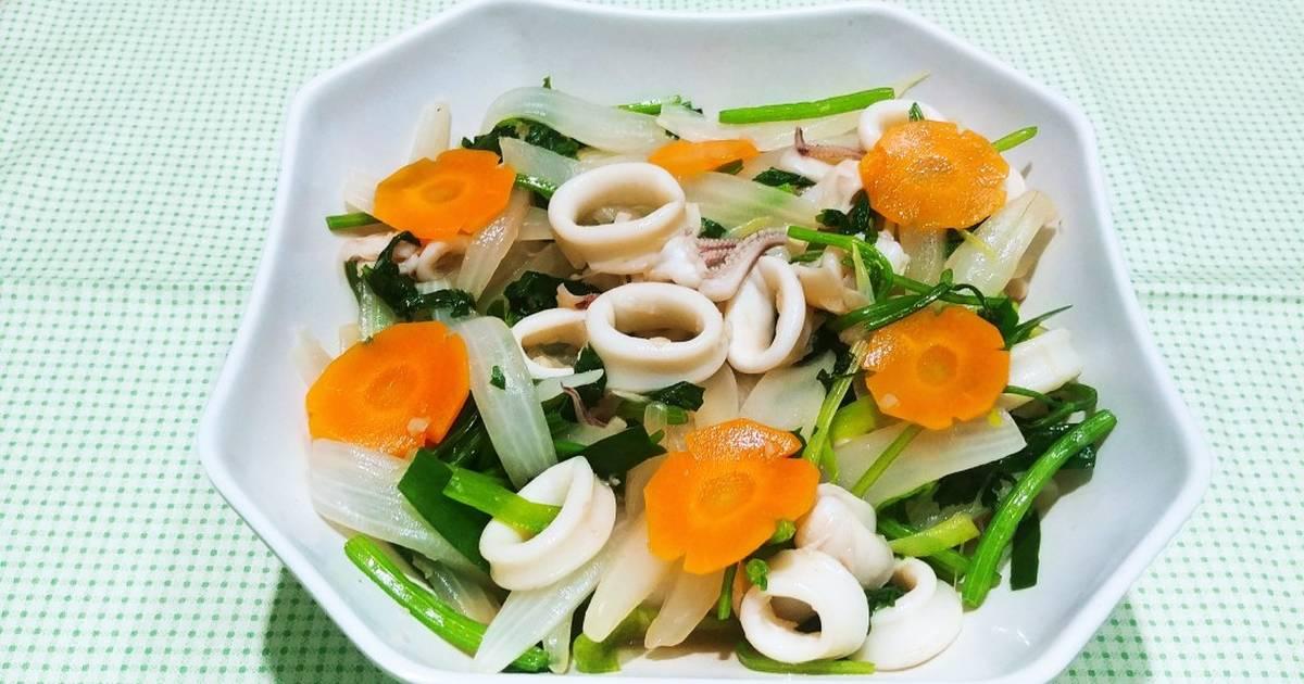 Cách Làm Món Mực xào cần tỏi của Nguyễn Lan Phương - Cookpad
