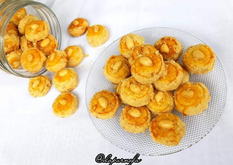 33. Kue Kacang Crezz - cookandrecipe.com