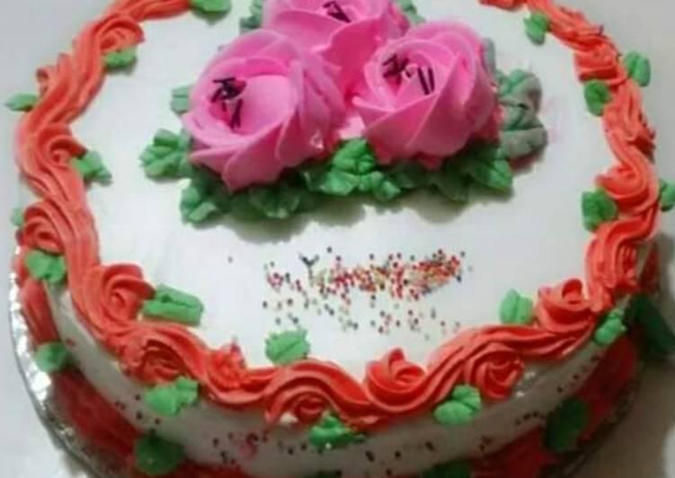 Simple cream cake