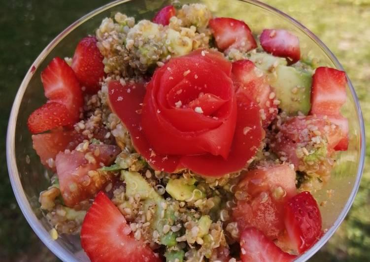 Comment Préparer Savoureux 🥑Salade Quinoa Fraise Avocat Tomate cerise🍓