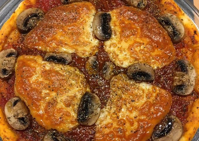 Pizza au fromage champignons de Paris