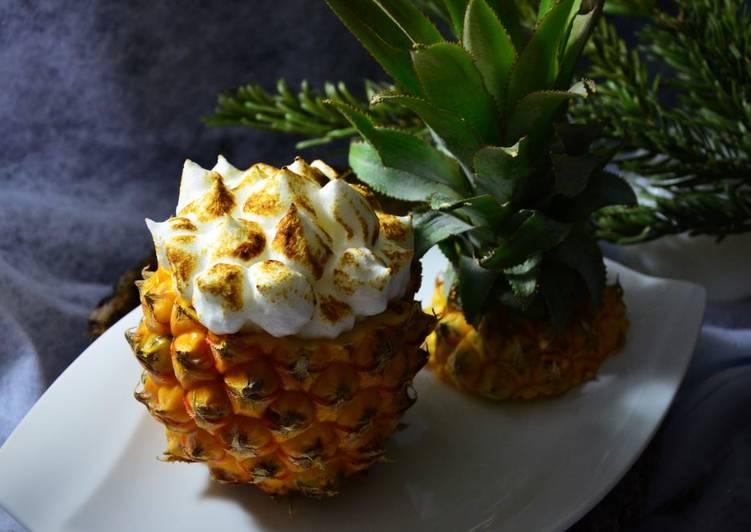 Ananas rôti meringué