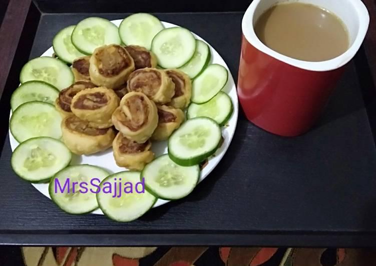 Steps to Prepare Favorite Pin Wheel Samosa bites with tea