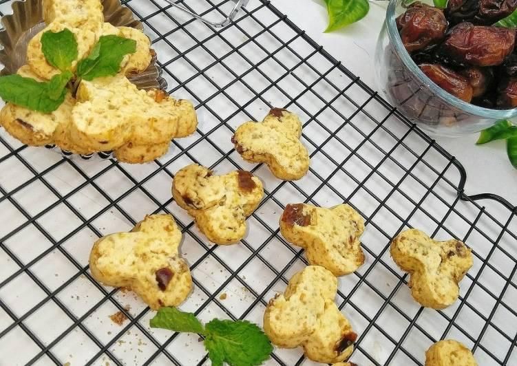 Kue Kering Sagu Kurma (Dates Sago Cookies)