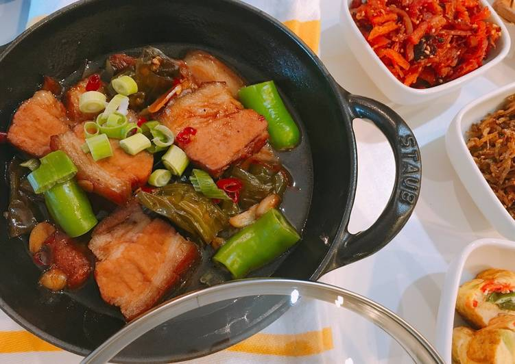 Easiest Way to Prepare Ultimate Braised pork belly w twisted green pepper