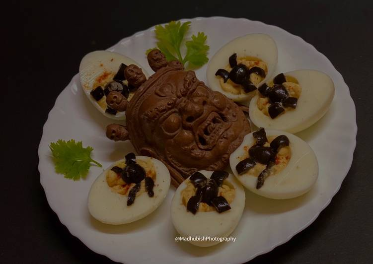 Easiest Way to Prepare Any-night-of-the-week Halloween Spooky Spider Devilled Eggs