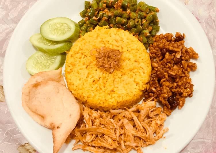 Nasi Kuning Rebon