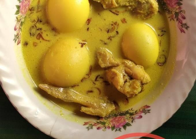 Opor Ayam & Telur Bumbu Kuning