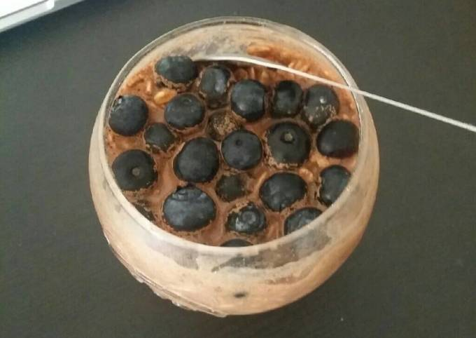 Chocolate Overnight oat with blueberries