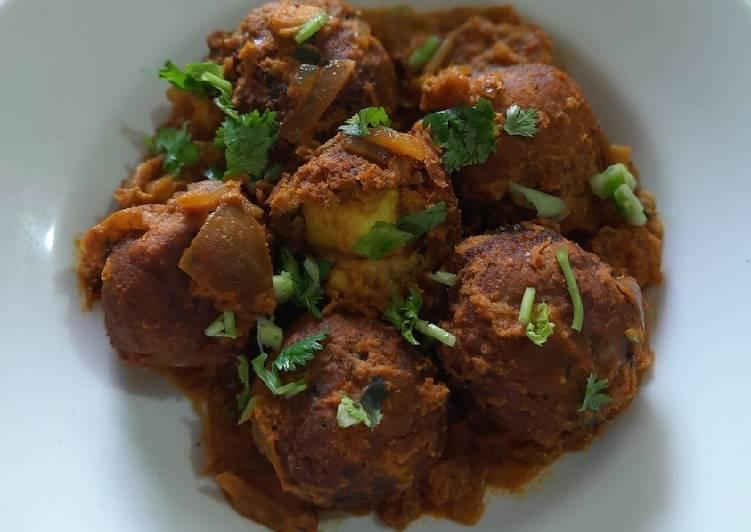 Recipe of Perfect Paneer Stuffed Chickpeas Kofta
