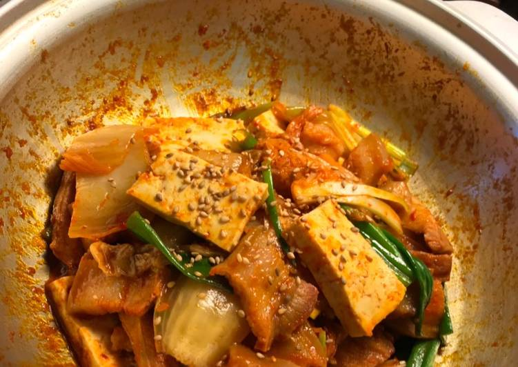 Jae Yook Bokk Geum Stir Fry Kimchi and Pork Belly