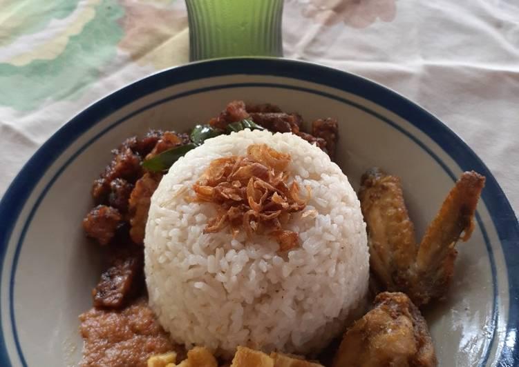 Nasi uduk enakkk