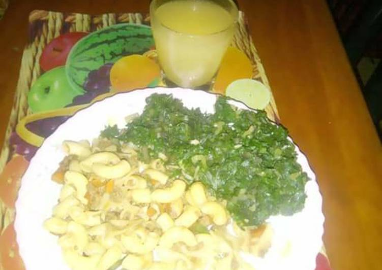 Macaroni n minced beef with creamed spinach
