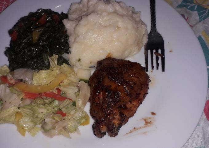 Mashed potatoes creamy spinach with grilled chicken and salad