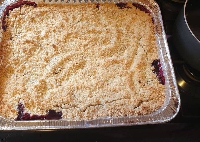 How to Prepare Appetizing Blackberry and apple 🍎 crumble