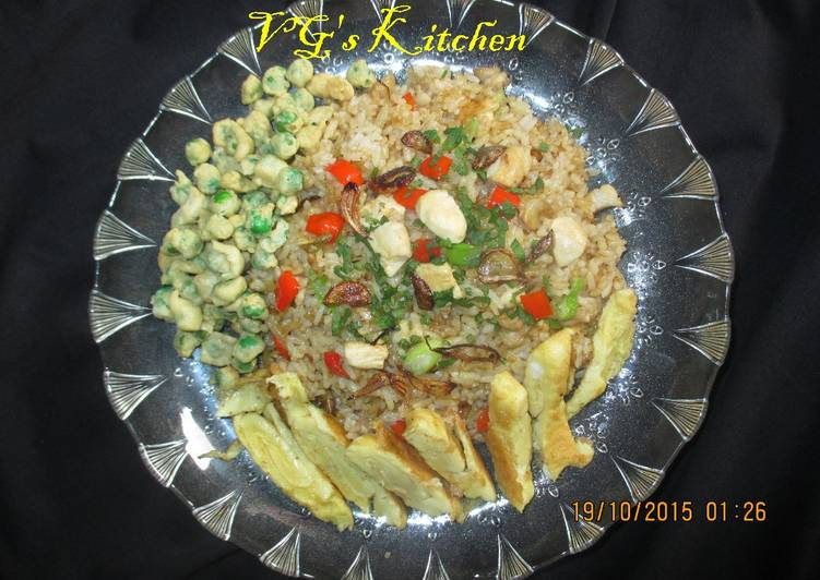 ARROZ CHAUFA De POLLO -- Peruvian Chicken Fried Rice