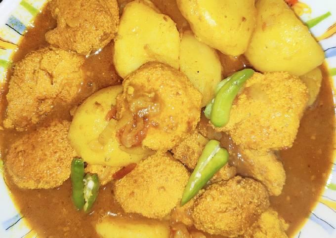 Bengali style Roe potato curry