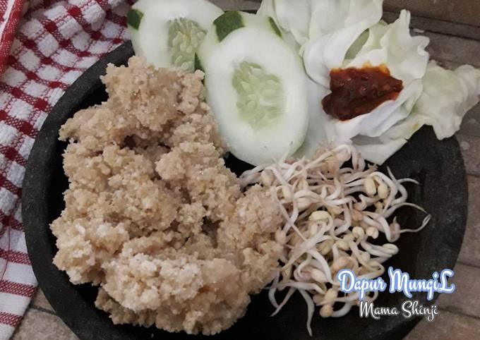 Tiwul Gunung KiduL DIY / sego tiwul / nasi singkong