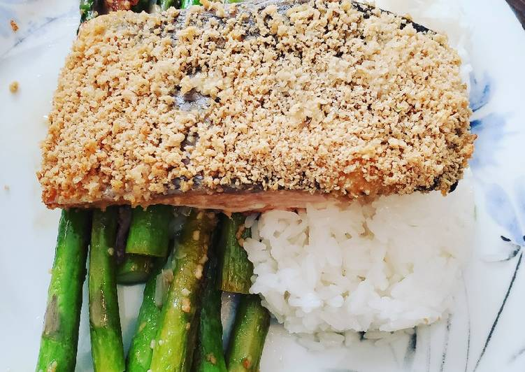 Recipe: Tasty Dijon panko crusted salmon