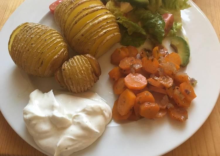 Fächerkartoffeln mit Karotten und Quark