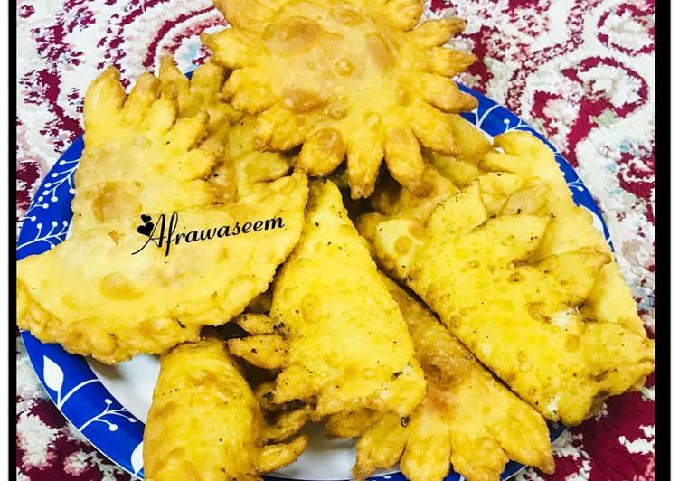 Drooling Khoya puris & halwa puris homemade