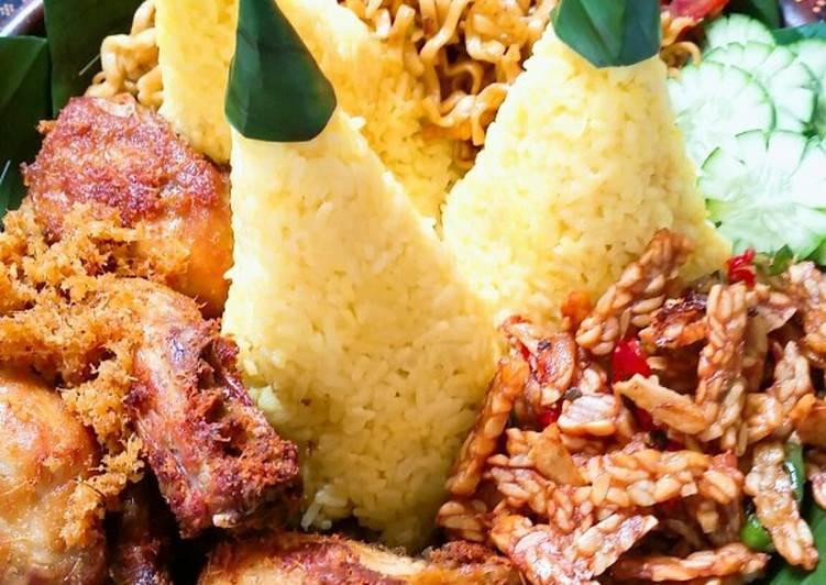 Nasi Tumpeng - Ayam Goreng Lengkuas