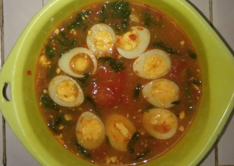 Sup merah telur puyuh dan kangkung