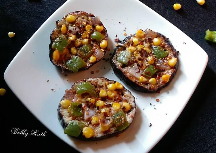 Eggplant disc mini pan pizza