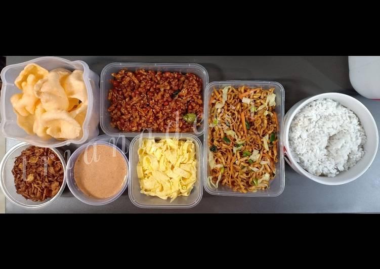 Cara Gampang Membuat Nasi uduk magic com yang Enak Banget