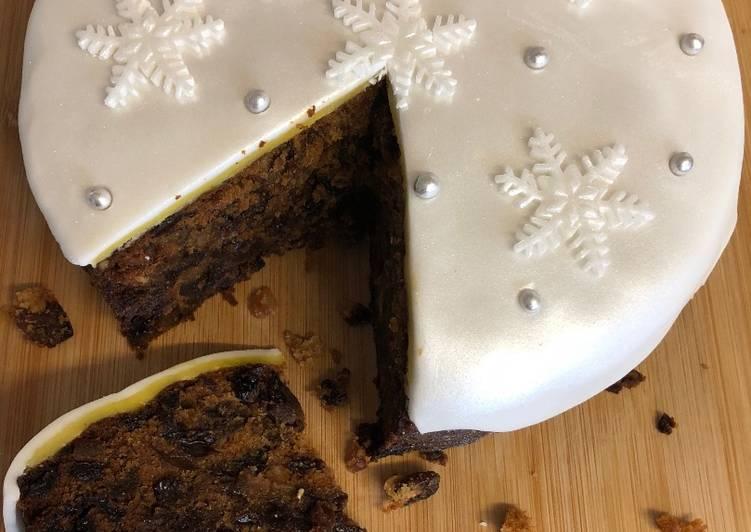 Easy Last Minute Christmas Cake
