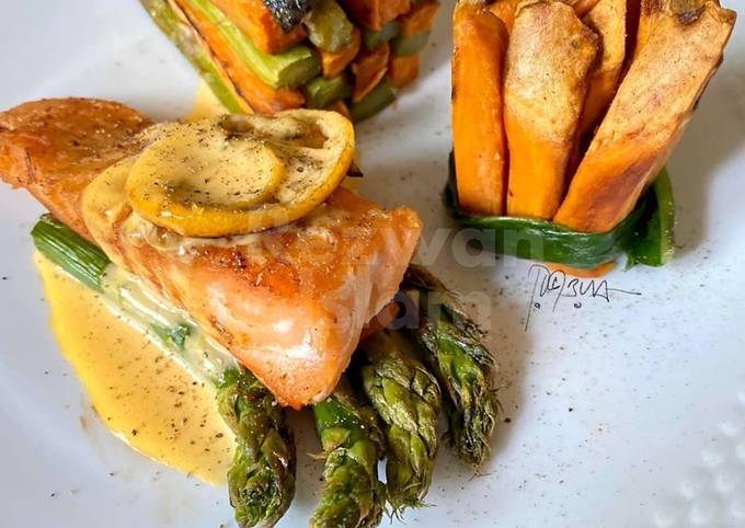 """""""Gourmet(ish)"""" salmon with asparagus and sweet potatoes"""