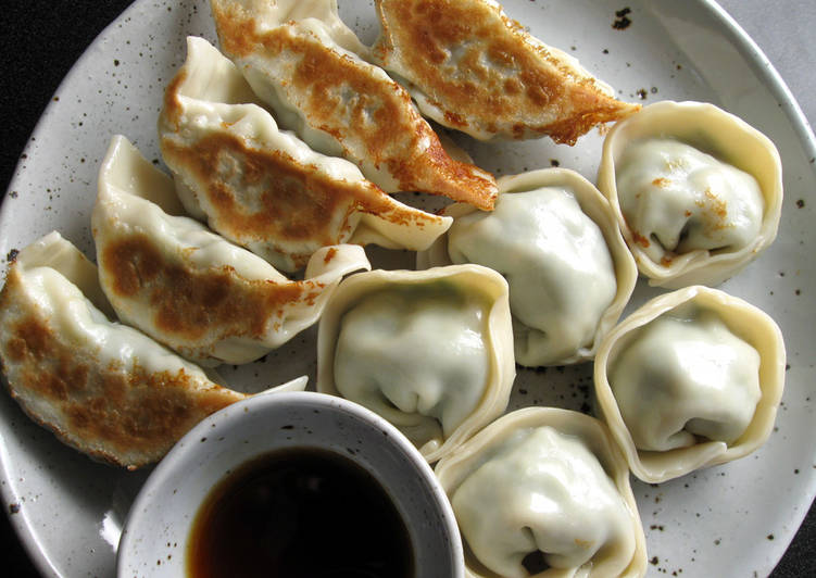 Prawn Garlic Chives Gyoza Recipe By Hiroko Liston Cookpad