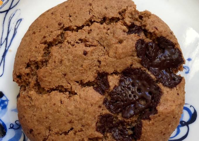 Recipe: Delicious Chunky Chocolate and hazelnut cookies – can be vegan