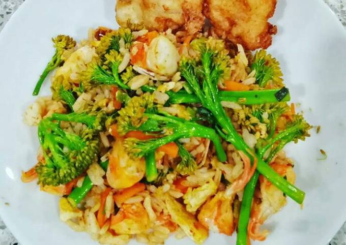 Easiest Way to Make Yummy Seafood Fried Rice with Veggies