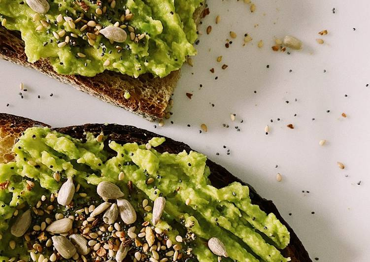 Step-by-Step Guide to Prepare Award-winning Avocado toast with spicy topping🥑💚