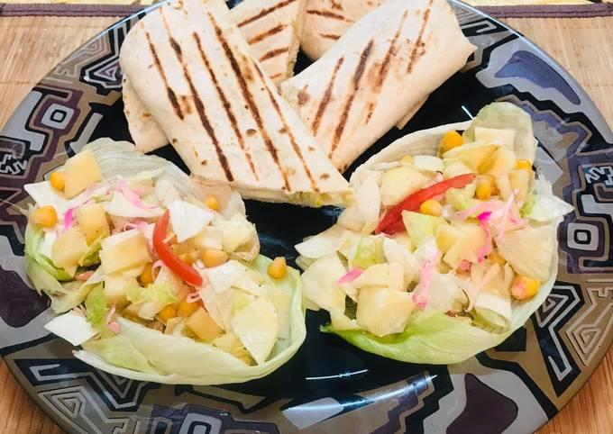 Baffulo wraps with healthy salad