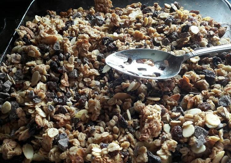 Recipe of Any-night-of-the-week Homemade chocolate granola