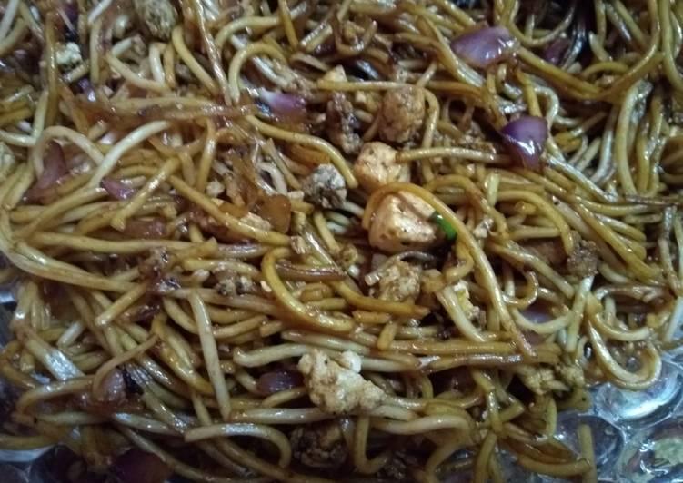 Egg paneer noodles