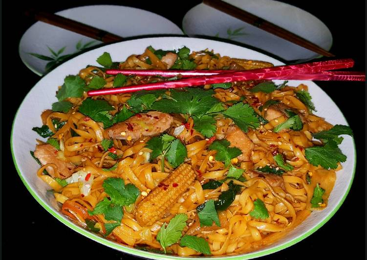 Mike's Pan Fried Pork Yakisoba, Helping Your To Be Healthy And Strong with Food
