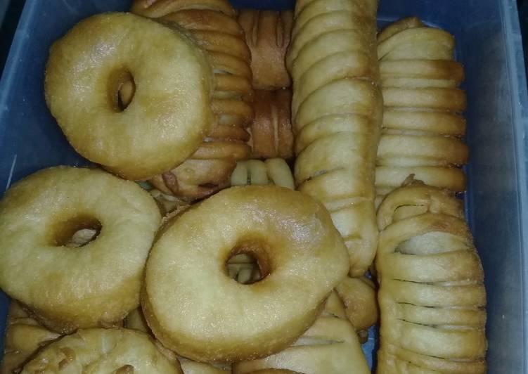 Resep Roti goreng isi pisang coklat yang Enak