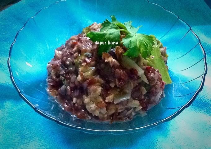 Bubur ikan beras merah (Kaya serat for diet)