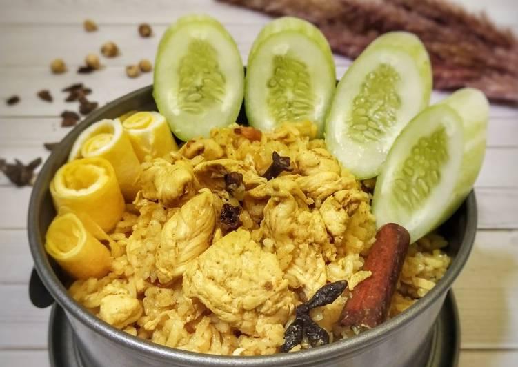 141. Nasi Kebuli Ayam (masak magicom)