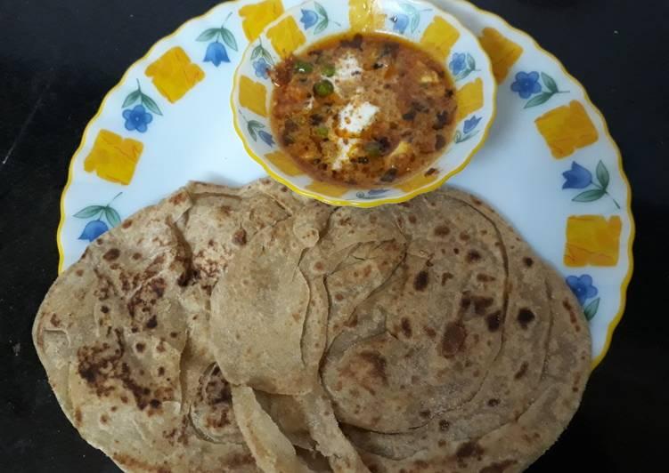 Matar paneer with lacha pratha