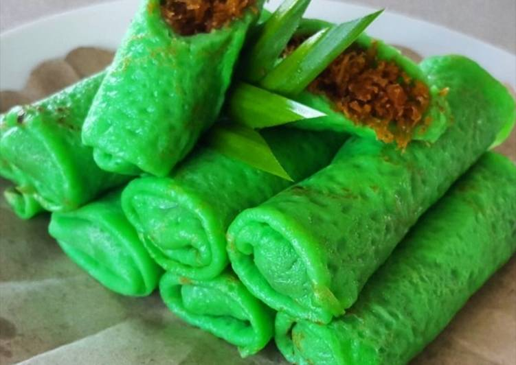Simple Way to Make Top-Rated Indonesian Pancake Roll with Coconut Filling