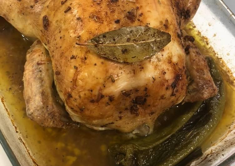 Receta más fácil: Delicioso Pollo asado al horno con cerveza