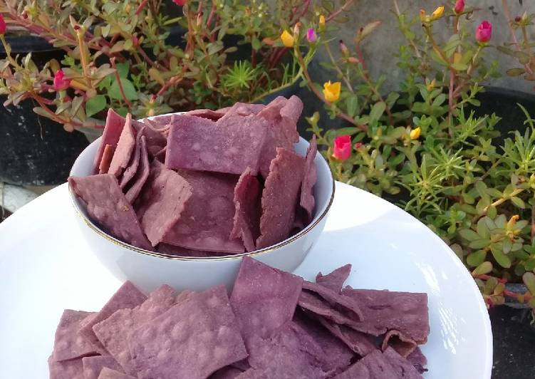 Keripik bawang ubi ungu gurih
