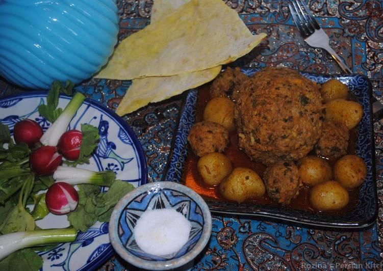 Kofteh Tabrizi (Persian giant meat balls)