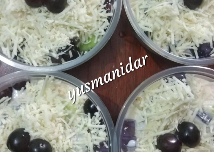 69.puding buah chia seeds